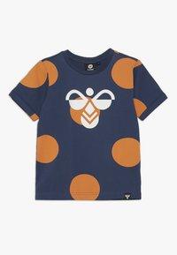 Hummel - BOB  - Camiseta estampada - dark denim - 0