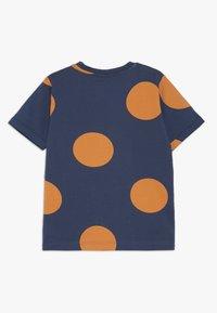 Hummel - BOB  - Camiseta estampada - dark denim - 1