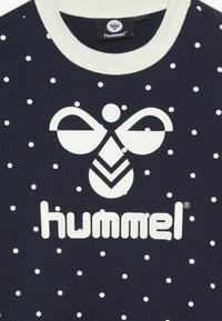 Hummel - TILDA  - Camiseta estampada - black iris - 3