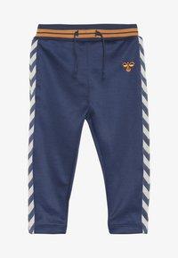 Hummel - GRAIG PANTS - Kalhoty - dark denim - 2