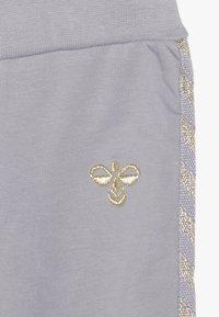 Hummel - HMLMARGRET PANTS - Kalhoty - lilac/gray - 3
