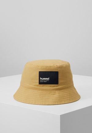 HMLBULLY HAT - Berretto - prairie sand