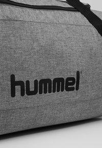 Hummel - CORE SPORTS BAG - Sports bag - grey melange - 7