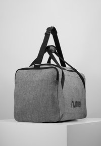 Hummel - CORE SPORTS BAG - Sports bag - grey melange - 3