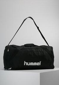 Hummel - CORE SPORTS BAG - Torba sportowa - black - 0