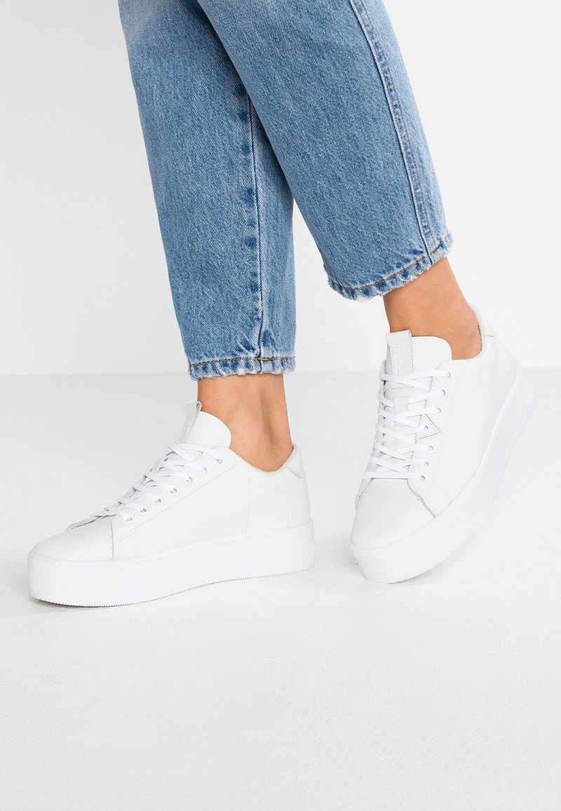 HUB - HOOK XL - Trainers - white