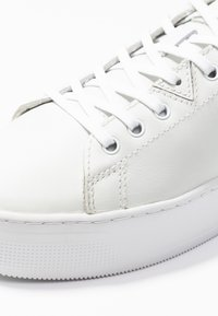 HUB - HOOK XL - Trainers - white - 2