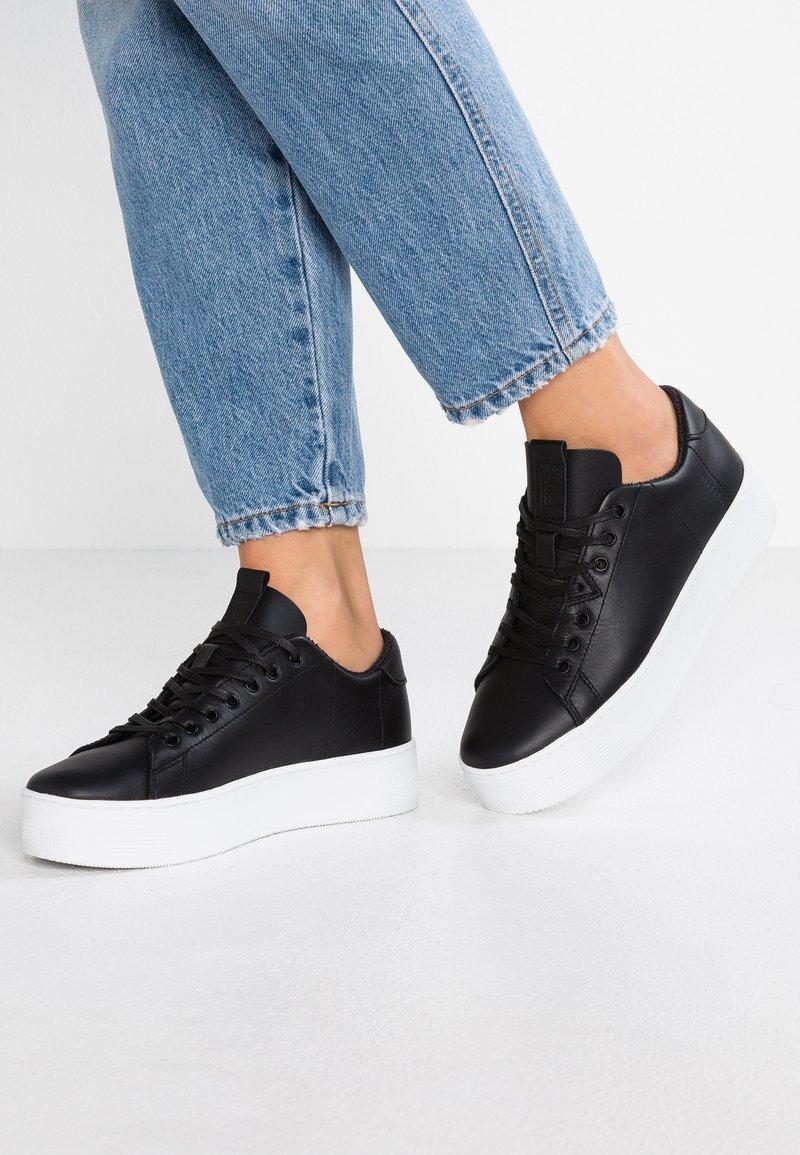 HUB - HOOK XL - Sneakers - black/white