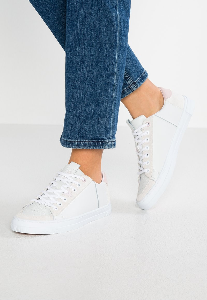HUB - TOURNAMENT - Sneakers - white/pastel rose