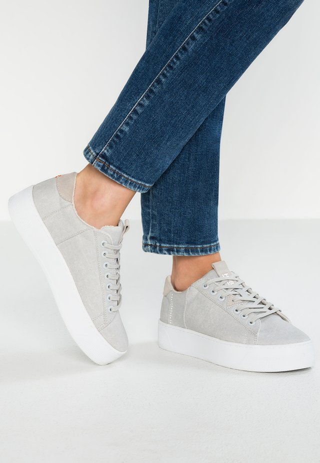 HOOK XL - Sneakers laag - neutral grey/white
