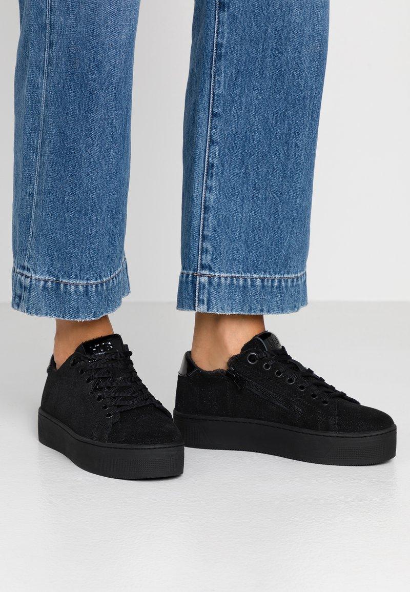 HUB - HOOK-W XL - Sneakers basse - black