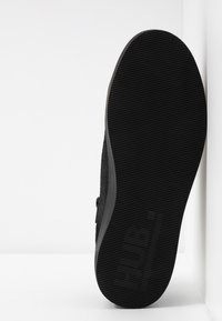 HUB - HOOK-W XL - Sneakers basse - black - 6