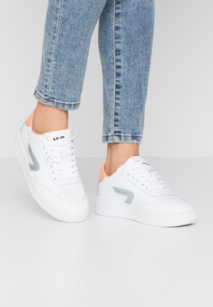 BASELINE - Sneakers laag - white/silver