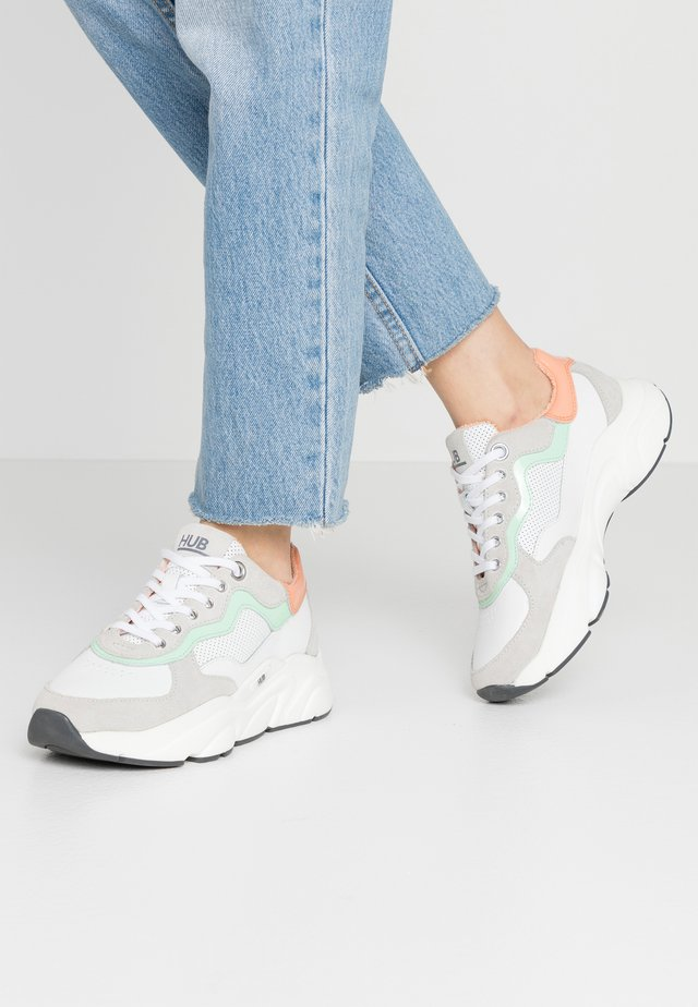 ROCK - Sneakers - white/cantaloupe/dark grey