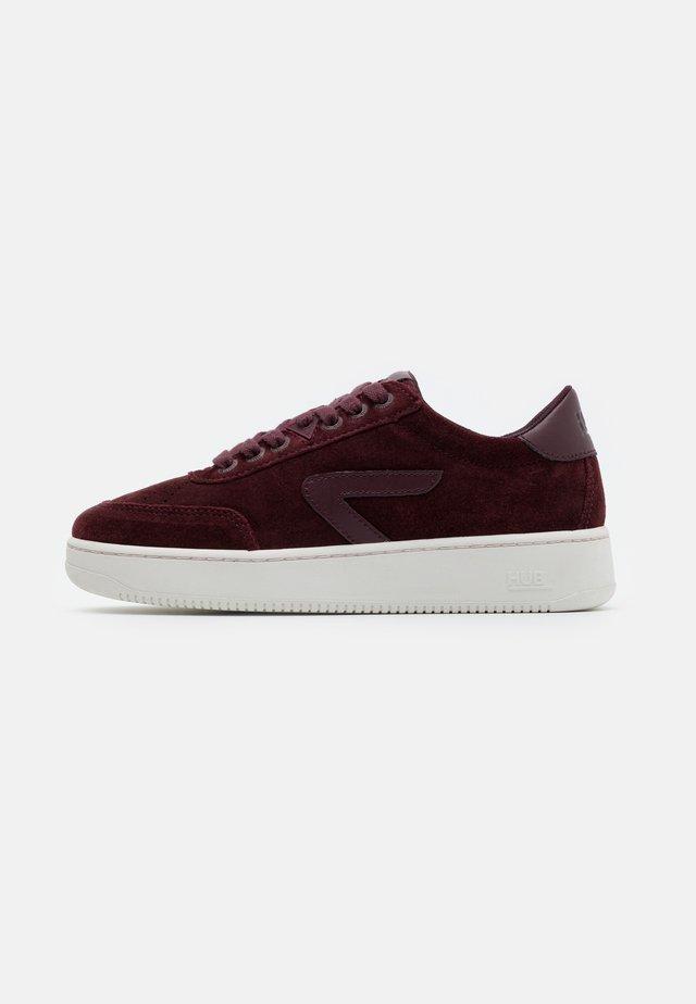 BASELINE - Sneakersy niskie - burgundy/offwhite