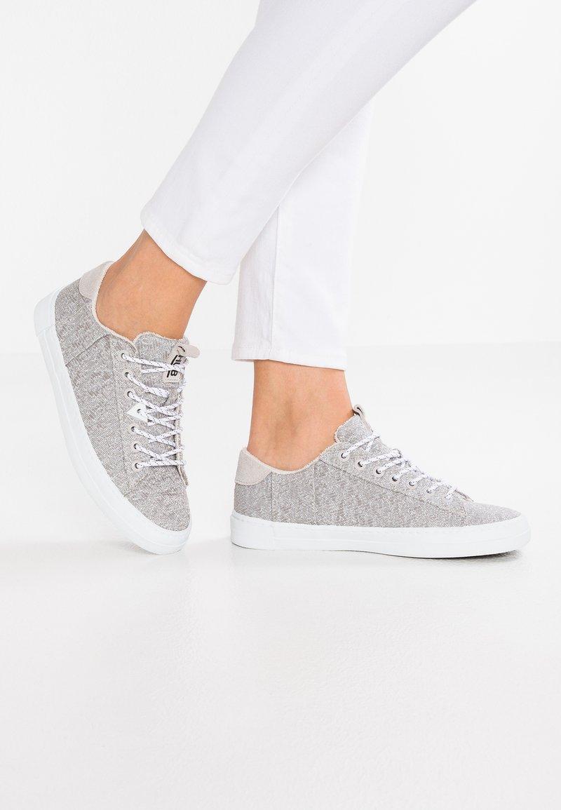 HUB - HOOK - Trainers - greyish/white