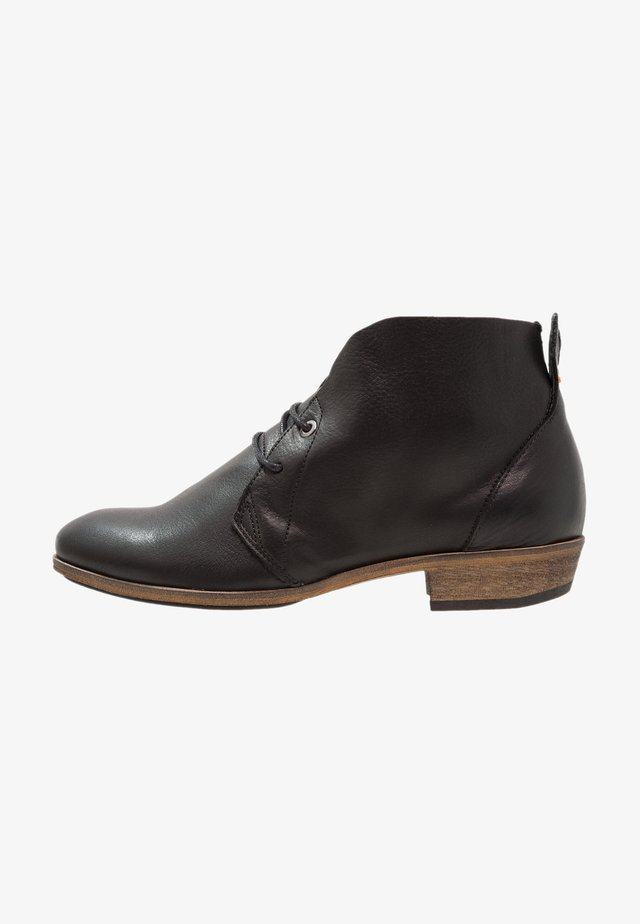 CHUCKIE - Ankle boots - black/natural