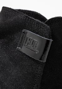 HUB - SERVE - Ankle boots - black - 2