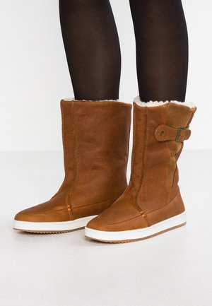 Winter boots - cognac/offwhite