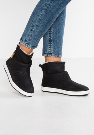 RIDGE - Ankle boots - black/offwhite