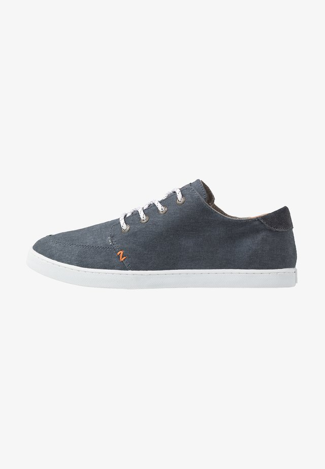 BOSS - Sneakers laag - navy/white