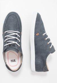 HUB - BOSS - Trainers - navy/white - 1
