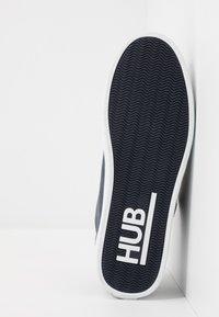 HUB - BOSS - Trainers - navy/white - 4