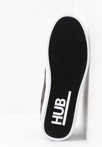 HUB - PANAMA - Korkeavartiset tennarit - black/white - 4