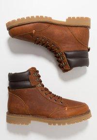HUB - BELFAST - Lace-up ankle boots - cognac - 1