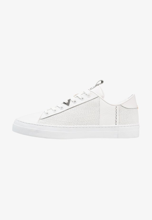 HOOK - Trainers - white