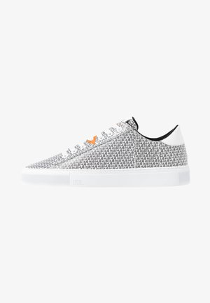 HOOK BRANDED - Sneakers - white