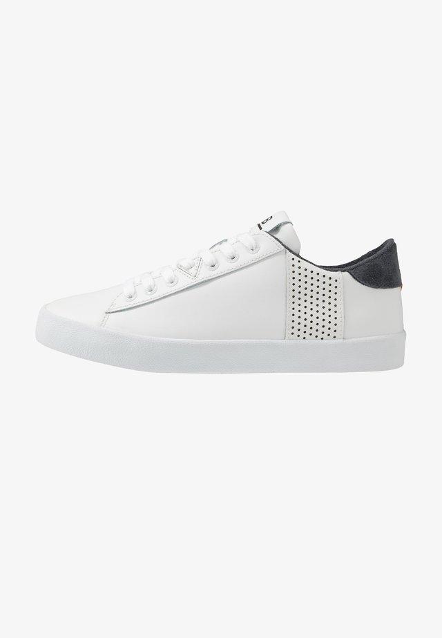 HOOK - Sneakers - white/ocean blue