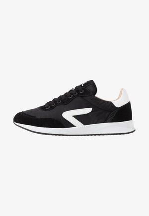 LINE - Sneakers - black/white