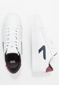 HUB - HOOK  - Trainers - white/blue - 1