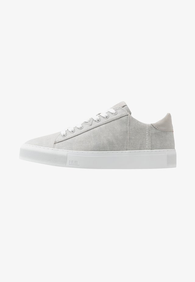 HOOK - Trainers - neutral grey/white