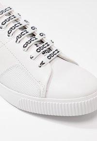 HUGO - TENN - Sneakers laag - white - 2