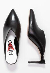 HUGO - MAYFAIR SABOT - Pantofle na podpatku - black - 3