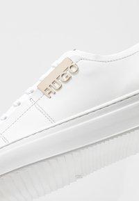 HUGO - VICTORIA CUT - Sneakers laag - white - 2