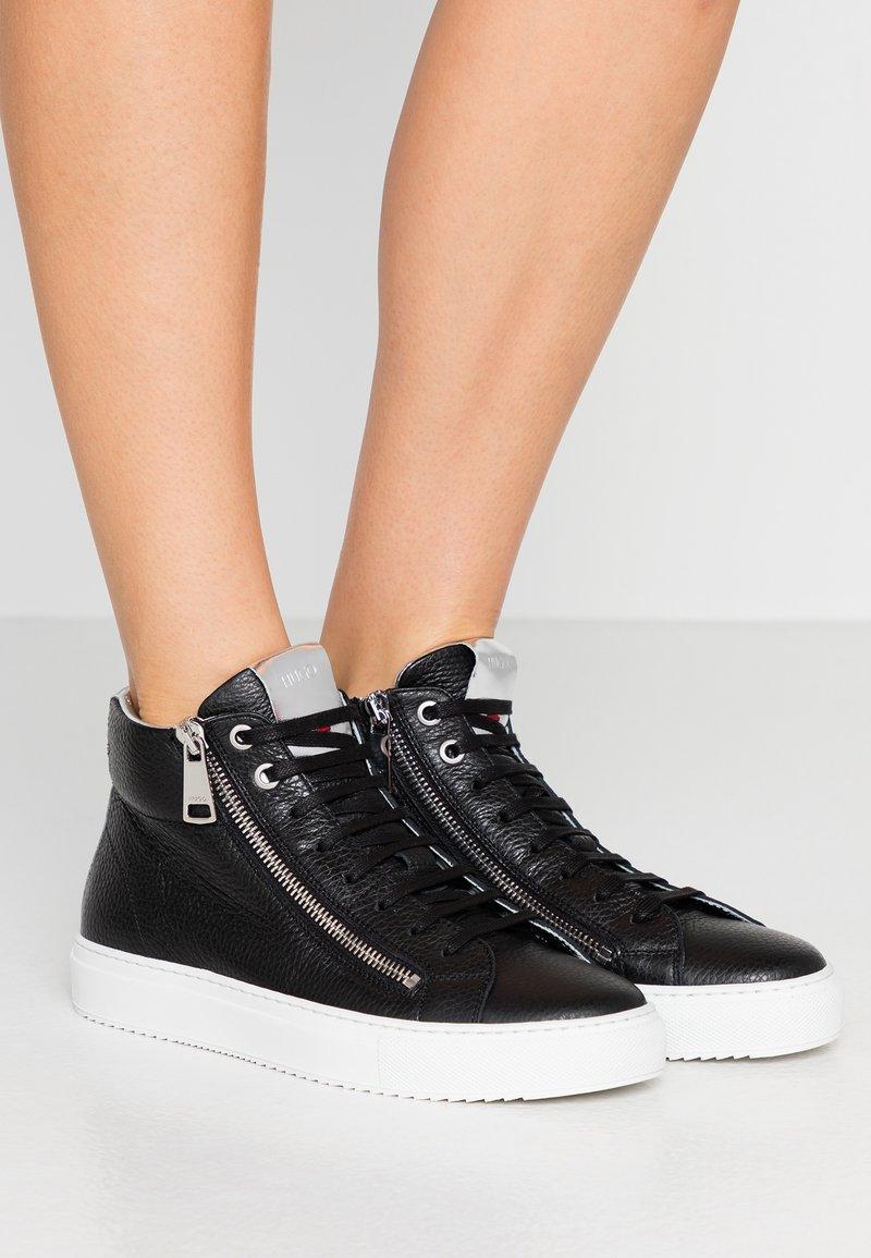 HUGO - HOXTON MID CUT - Sneakers high - black