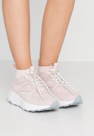 HORIZON RUNN - Sneakers hoog - rose