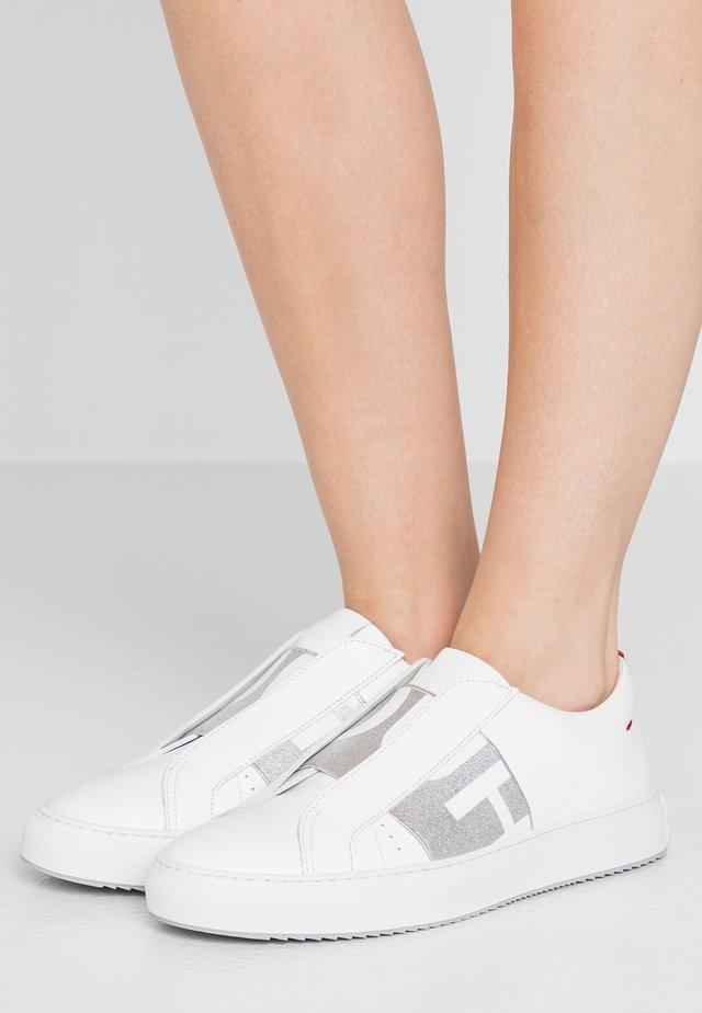 FUTURISM  - Sneakers - silver