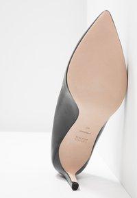 HUGO - HELLIA - Classic heels - black - 6