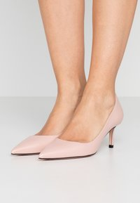 HUGO - INES - Klassiske pumps - open pink - 0