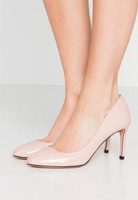 HUGO - ALLISON - Classic heels - open pink - 0