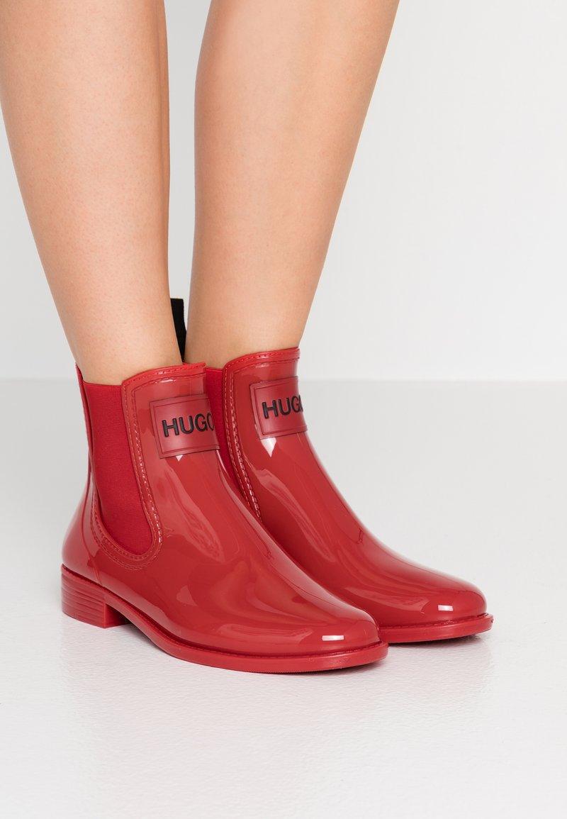 HUGO - NOLITA RAIN BOOTIE - Kumisaappaat - red
