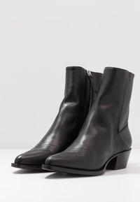 HUGO - ISABEL  - Cowboy/biker ankle boot - black - 5