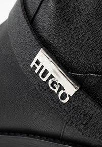 HUGO - VICTORIA - Botki kowbojki i motocyklowe - black - 2