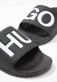 HUGO - TIMEOUT SLIP - Muiltjes - black - 5