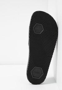 HUGO - TIMEOUT SLIP - Sandaler - black - 4