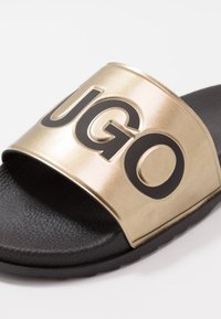 HUGO - MATCH SLID - Mules - black/gold - 5